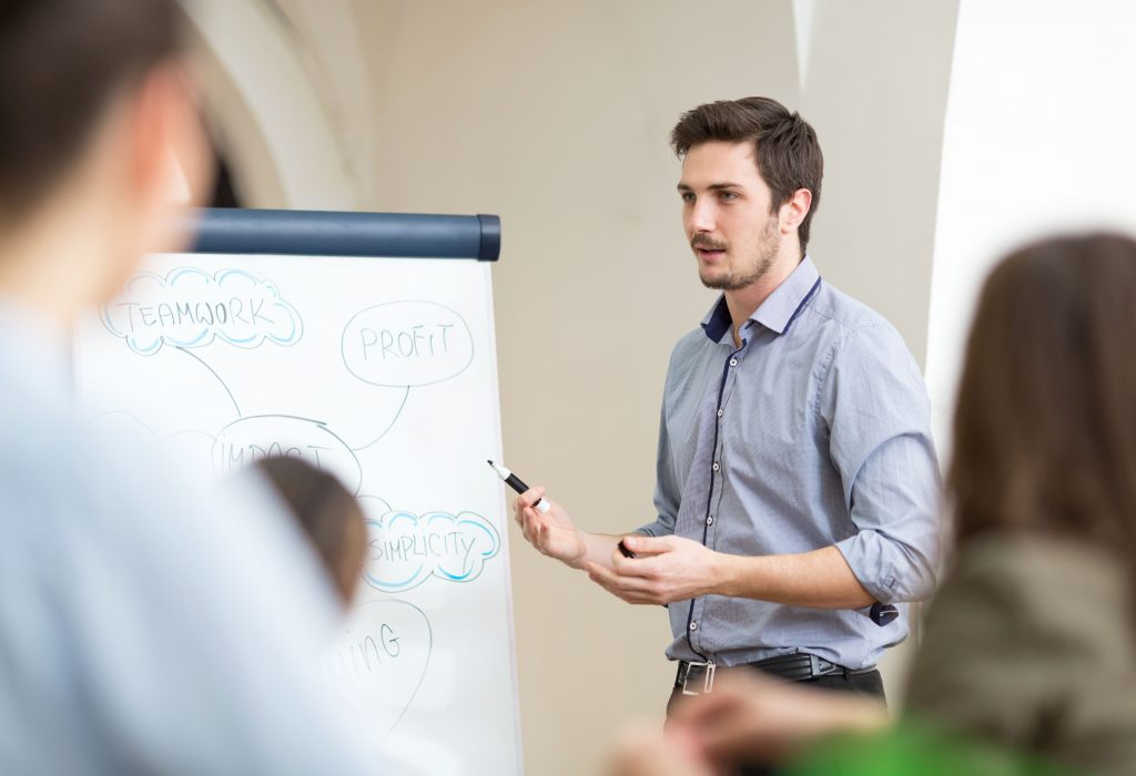 企業向け人材育成プログラム